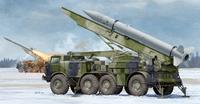 9П113 ПУ тактического ракетного комплекса 9К52 «Луна-М» с ракетой 9M21. 01025 Trumpeter 1:35