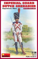 Голландский гренадёр Императорской гвардии. 16018 MiniArt 1:16