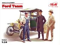 Model T 1913 Roadster и Команда Форда. 24007 ICM 1:24