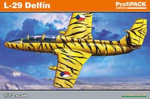 Л-29 Дельфин (L-29 Delfin) учебный самолет - 7096 Eduard 1:72