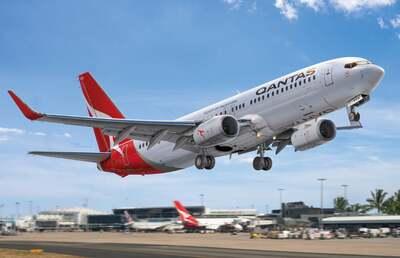 B737-800 Qantas лайнер - 7218 Big Plane Kits 1:72