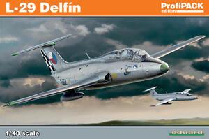 Л-29 Дельфин учебно-боевой самолет - 8099 Eduard 1:48