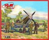 Spitfire LF IXe истребитель с пилотами и техниками ВВС Красной Армии - 48802 ICM 1:48