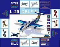 Л-29 Дельфин (Aero L-29 Delfin) учебный реактивный самолет - 86001 AMK 1:72