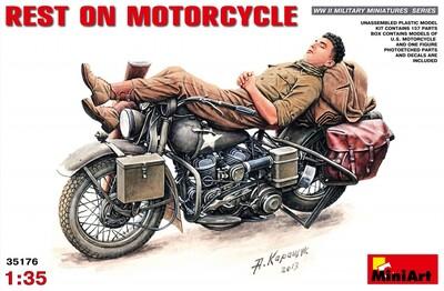 Отдых на мотоцикле - 35176 MiniArt 1:35